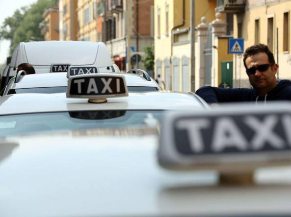 Sciopero nazionale dei taxi: servizio fermo fino alle 22